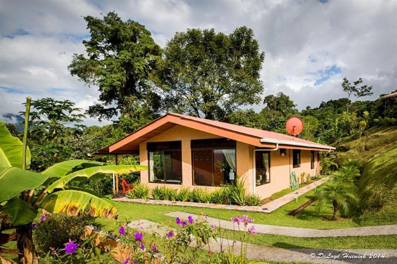 Encantada Guest HOuse - Fabulous Arenal Cottage with Fantastic Views - El Castillo - rentals