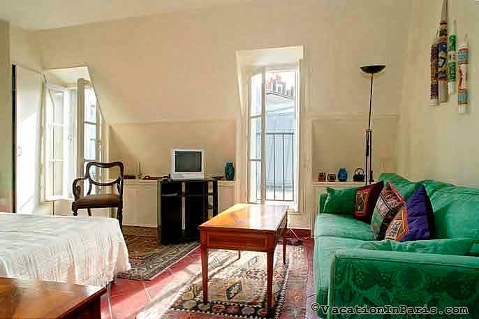 Piece of Paradise Studio in Latin Quarter - Image 1 - Paris - rentals