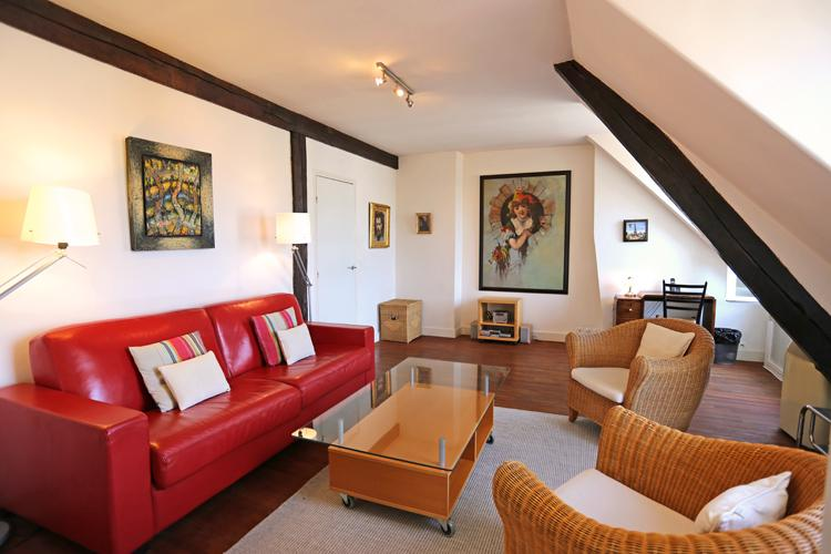 A Delightful Blvd. St. Germain Apartment Near Notre Dame with AC - Image 1 - Paris - rentals