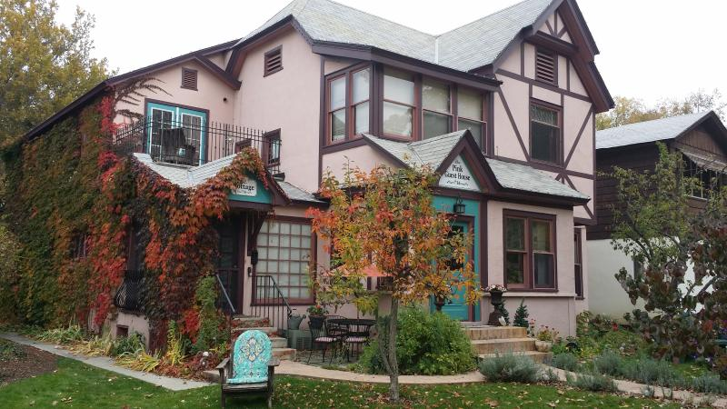 The Pink Guest House in Fall! - The Pink Guest House - Boise - rentals