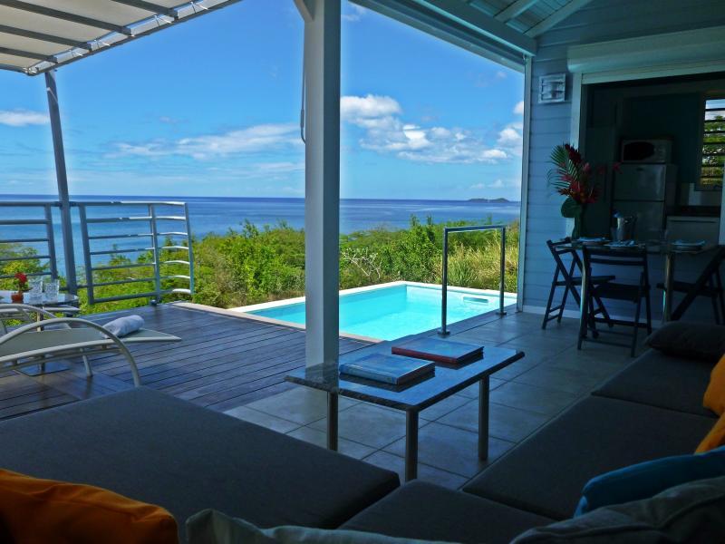 Air-conditioned ocean front villa. Villa climatisée en bord de mer. Blue Haven Villas - Oceanfront Blue Haven Villas, private pool - Bouillante - rentals