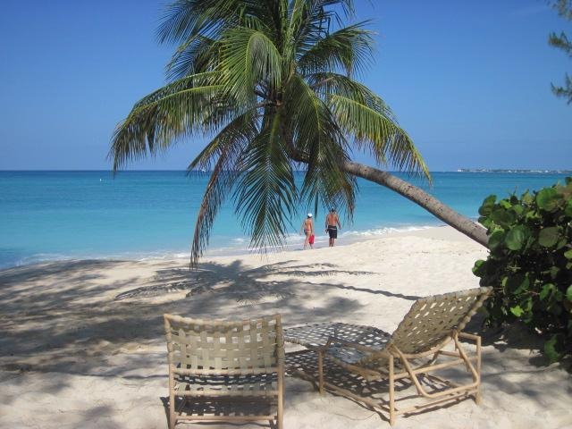 Relax or Stroll the Beach at Harbour Heights Grand Cayman - Charming Spot on 7 Mile Bch - #6 Harbour Heights - Seven Mile Beach - rentals