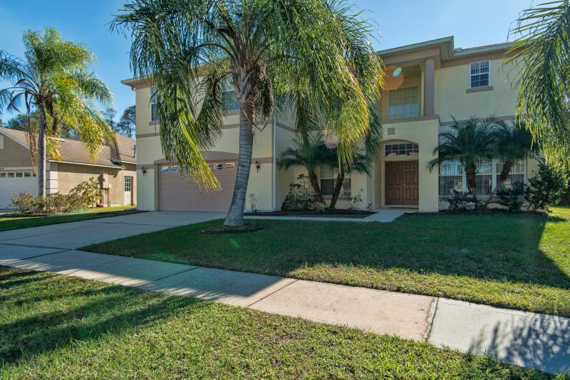 Tulip Blossom Villa with Hot Tub and Pool - Image 1 - Kissimmee - rentals