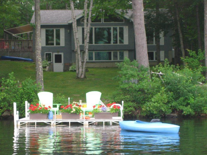 Your welcoming view of the Duck Inn from the water - DUCK INN | WAYNE MAINE | ON DEXTER POND | KAYAKING, FISHING, SWIMMING, BIRDING | FAMILY VACATION | GIRL'S WEEKEND - North Monmouth - rentals