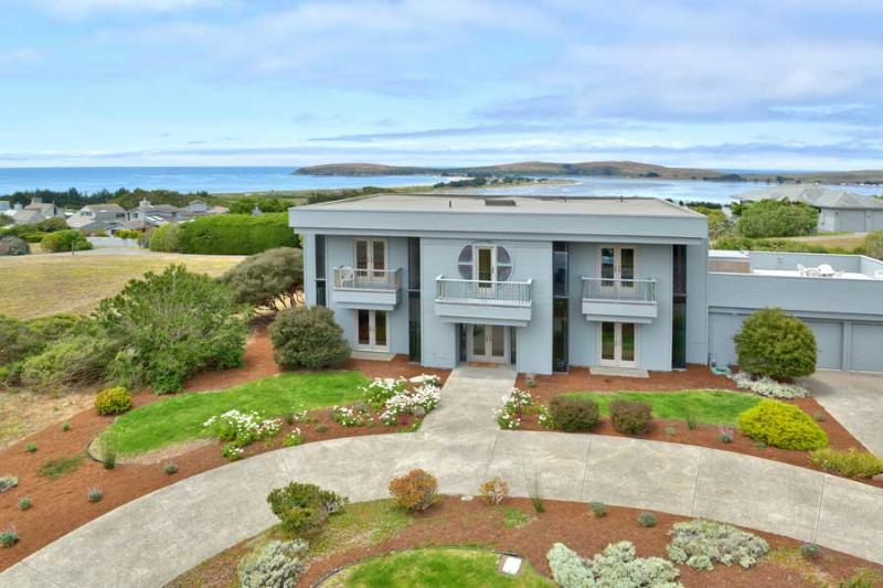 Mainsail Manor - Image 1 - Bodega Bay - rentals