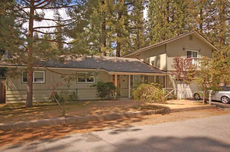 Exterior - 885 Sonoma Avenue - South Lake Tahoe - rentals