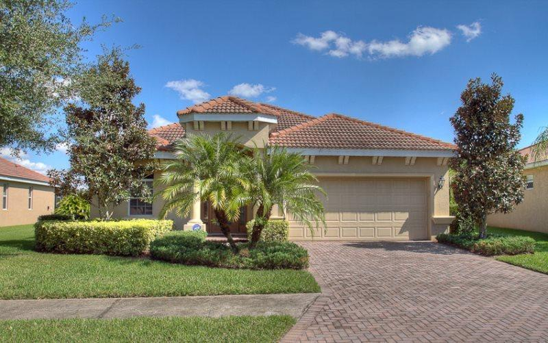 Front of Home - (RS04) Spacious 3 Bedroom Pool & Spa Home in RiverStrand - Bradenton - rentals