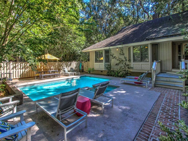 Pool at 28 Battery Road - 28 Battery Road - Sea Pines - rentals