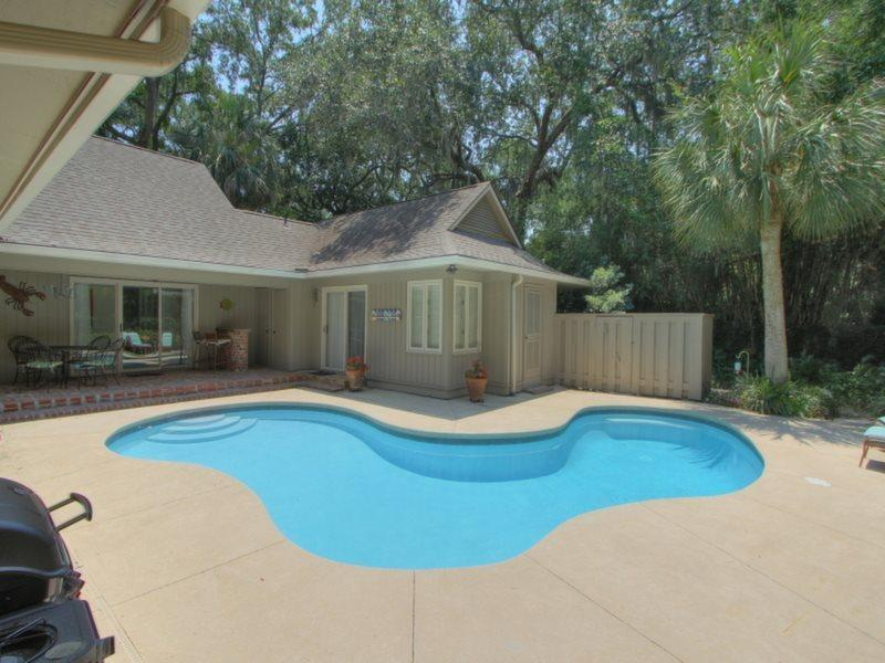 Sunny Pool at 39 Woodbine Place - 39 Woodbine Place - Sea Pines - rentals