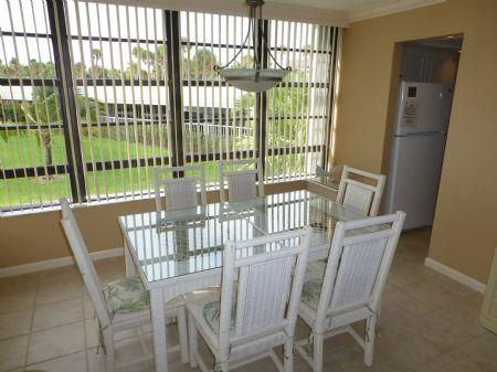 Dining area - SUPER NICE Condo with beautiful beach views in Gated Island Resort - Marco Island - rentals