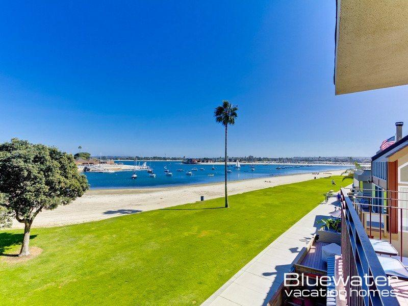 View from the bay front balcony - Bay Front View - Mission Beach, San Diego Vacation Rental - Pacific Beach - rentals