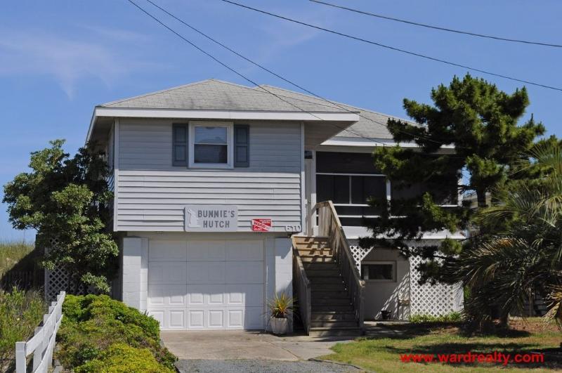 Streetside Exterior - Bunnie's Hutch - Surf City - rentals