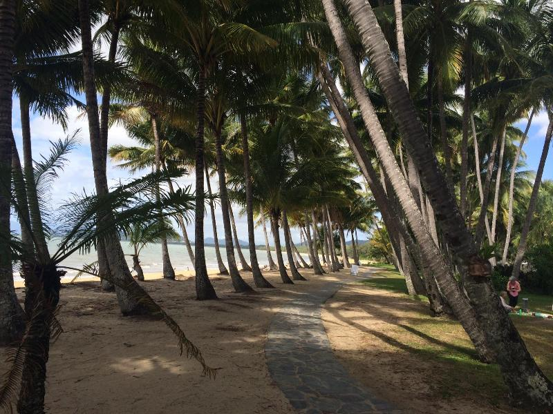 beach across the road - Palm Cove Paradise at Drift - Palm Cove - rentals