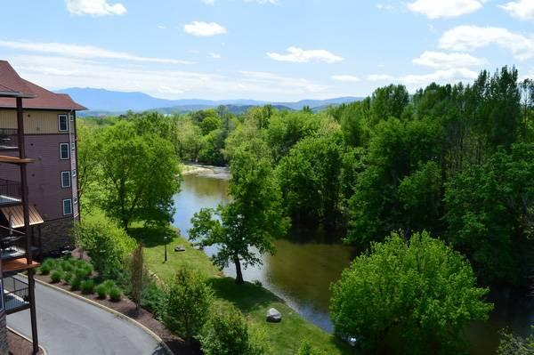 Mountain & River View - Together On The River - Sevierville - rentals