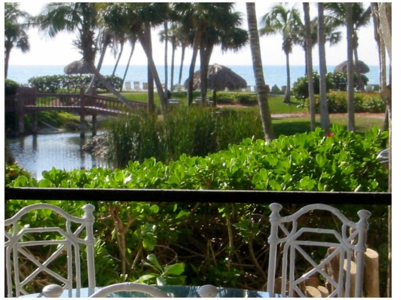 Beautiful Gulf View from Lanai- walk right out directly to the beach, about a minute\\\'s walk away - My Sanibel Condo,  Pointe Santo, Steps 2 the Beach - Sanibel Island - rentals
