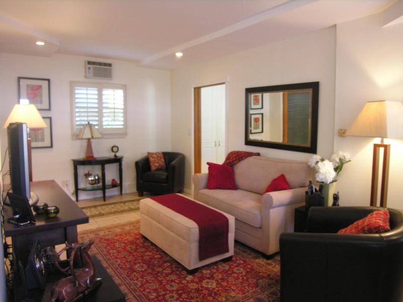 Living Room - Location, Charm ….AND the Hollwood Sign  (Beachwoo - West Hollywood - rentals