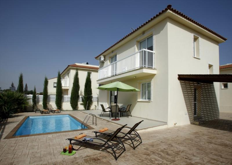 PD15 Dahlia - Image 1 - Famagusta - rentals