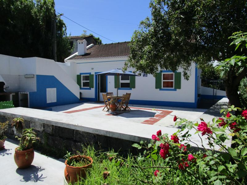 Casa da Ribeira - pretty cottage in a quiet valley - Image 1 - Horta - rentals