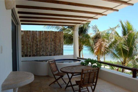 Bunga Bunga - Private terrace with Jacuzzi - Puerto Morelos vacation rentals - VRNM Condo Bunga Bunga 2 Bedrooms - Puerto Morelos - rentals