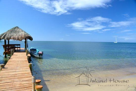 Sunset House, private beach house between West Bay  West End. Sunset dock and swim platform, beach bar, kayaks, water hammocks and more. - Sunset House - West Bay - rentals