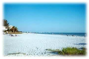 Tommy's Florida Beach Cottage,  Pool & Hot  Spa - Image 1 - Fort Myers Beach - rentals