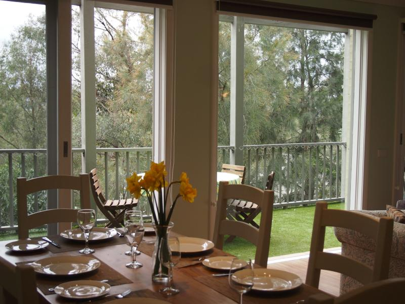 Dining to deck - Hunter Views Pokolbin - Hunter Valley Wine Country - Pokolbin - rentals