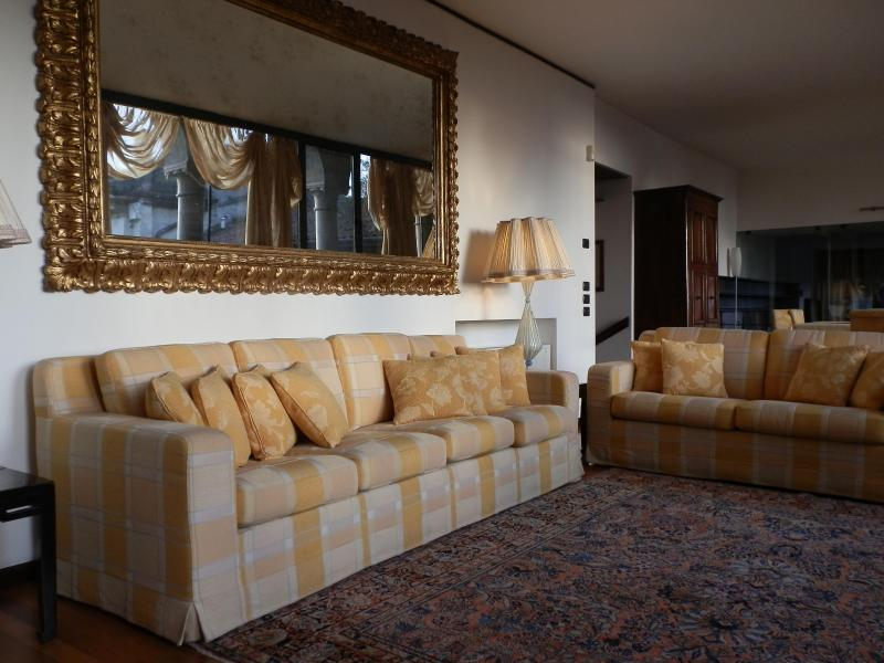 sitting room - elegant apartment in the centre of Verona - Verona - rentals