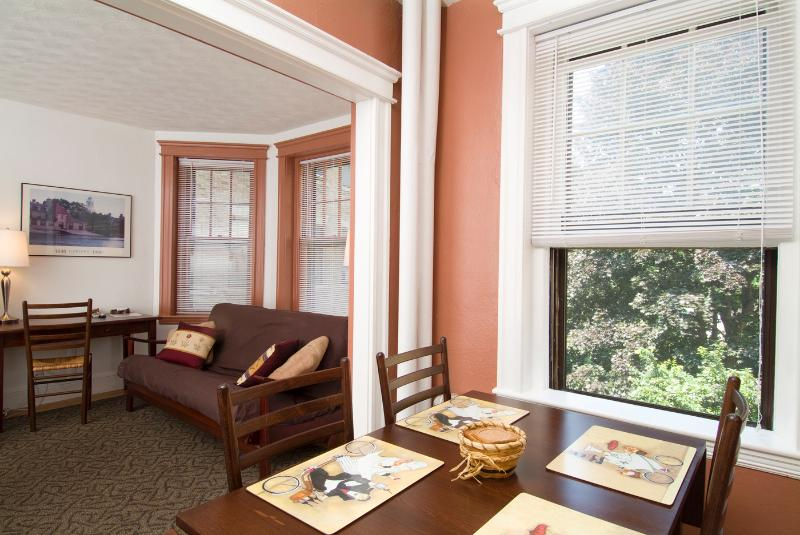 Eating and Sitting Areas - Longwood Studio Suite at Fenway (M248) - Boston - rentals
