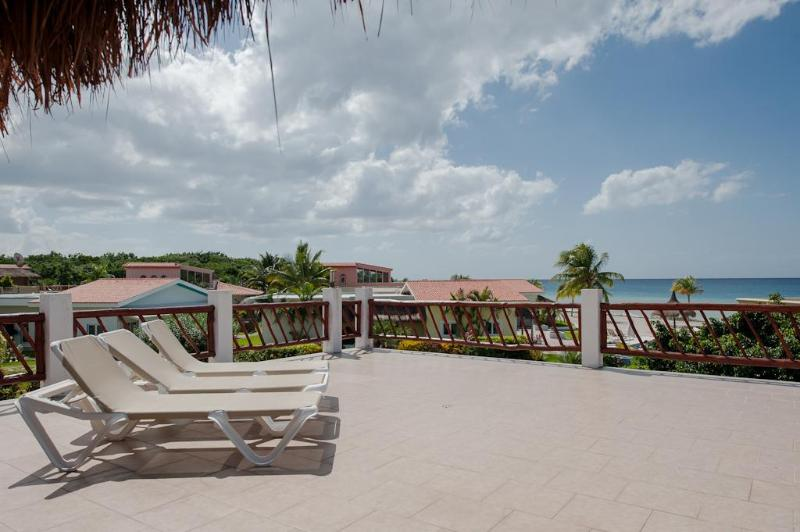 Cozumel Sol's amazing terrace with ocean views - Cozumel Sol- Perfect blend of luxury and fun! - Cozumel - rentals