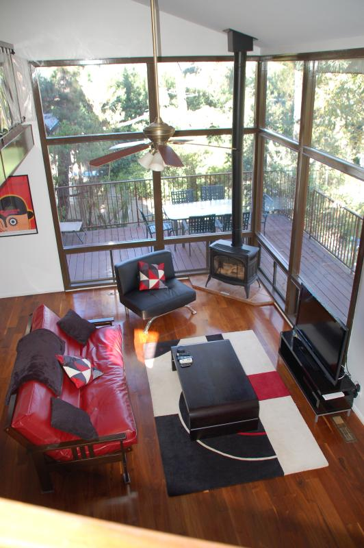 Living room - Summer Sale: Chic 3-Bdrm Hollywood Hills Sleeps 8 - Los Angeles - rentals
