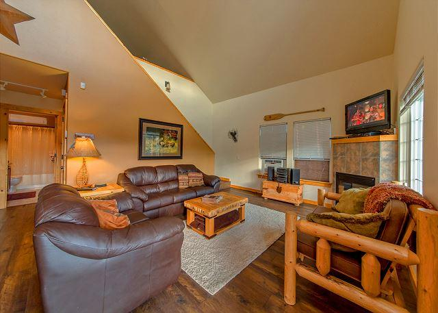 Wintergreen Lodge - Cozy Cabin in Roslyn Ridge!  Slps 8 | Summer Specials | WiFi - Ronald - rentals
