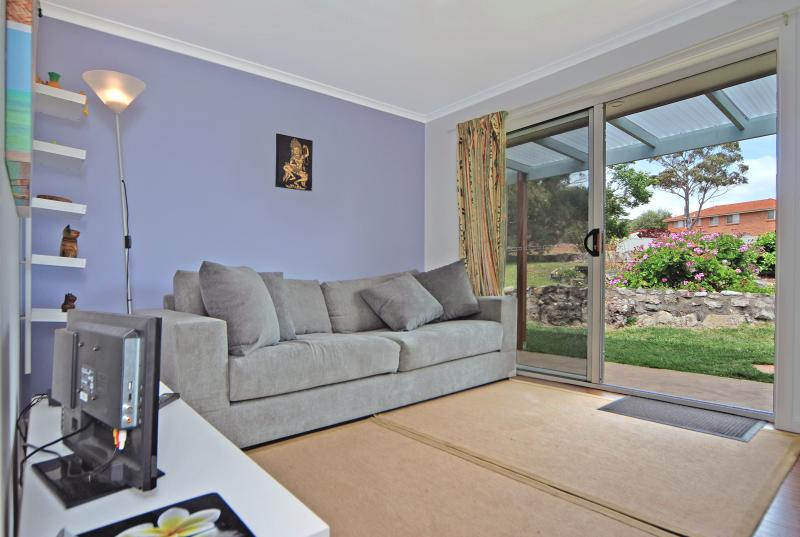 "comfy sofa, WIFI, garden views - Marazul ""Best Deal"" Jervis Bay, Vincentia - Vincentia - rentals"