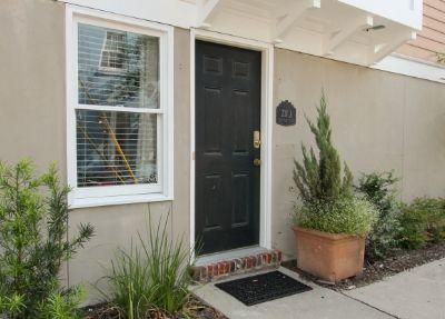 1030: Crawford Square Garden Level - Image 1 - Savannah - rentals