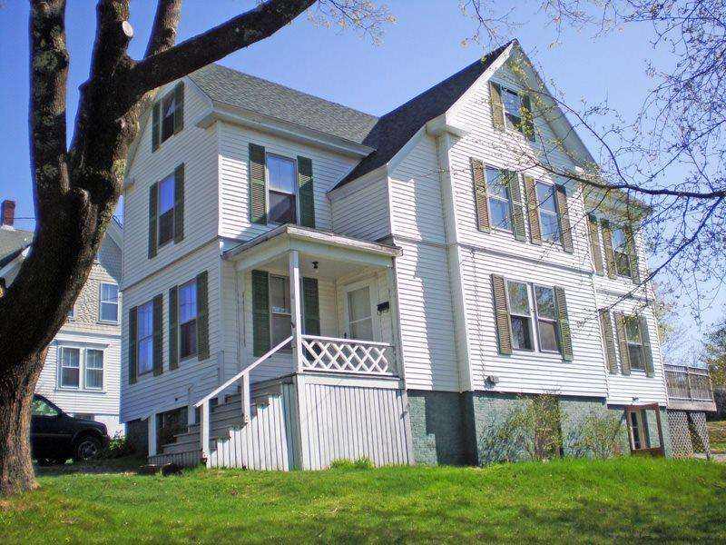 Front View of A Walk to Town - A WALK TO TOWN | BOOTHBAY HARBOR MAINE| RELAX | SHOPPING | CLOSE TO TOWN - Boothbay - rentals