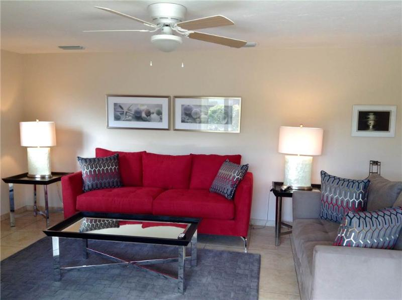 Florida villa w/ full amenities and free wifi - Villa 24 - Image 1 - Siesta Key - rentals