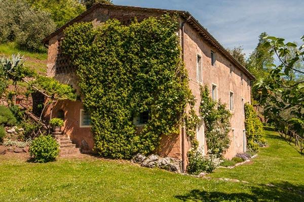 Tranquil, 5 bedroom villa with lovely gardens, saltwater pool, and magnificent views, perfect for a family vacation SAL DMO - Image 1 - Lucca - rentals