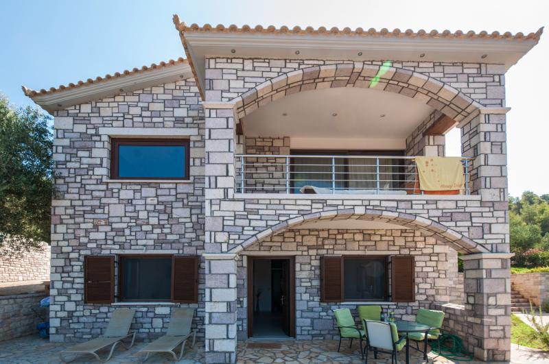 Diamond villas 400m- beach 4 seasons accomodation - Image 1 - Kiparissia - rentals
