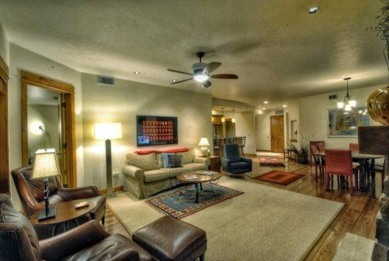 Spacious Living Room and Dining Room - Waterside B - Steamboat Springs - rentals