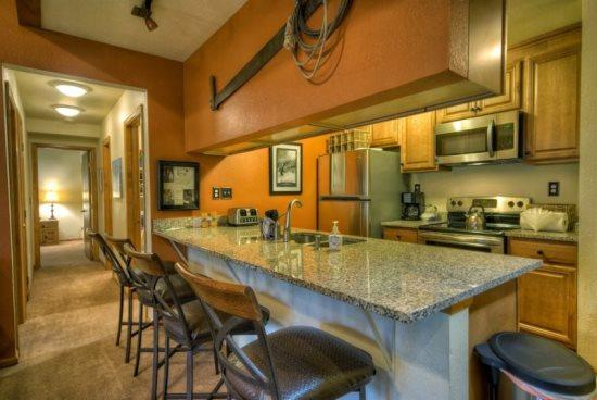 Fully Equipped kitchen With Granite Countertops and Stainless Steel Appliances - Pines D 302 - Steamboat Springs - rentals