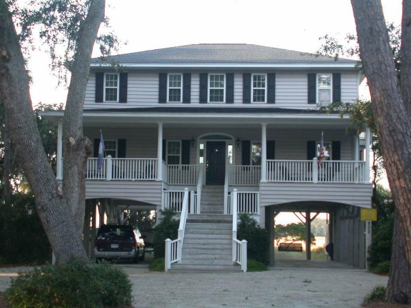 "902 Jungle Shores Dr - ""Boyhood Memories"" - Image 1 - Edisto Beach - rentals"