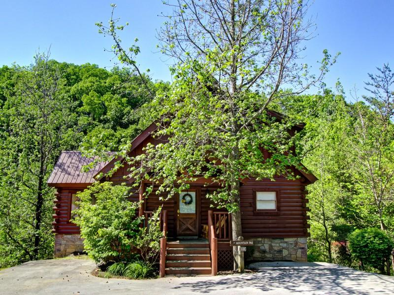 MOUNTAIN PAS - Image 1 - Pigeon Forge - rentals