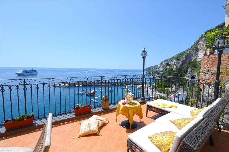 Afrodite, property in Amalfi in Amazing location - Image 1 - Amalfi - rentals