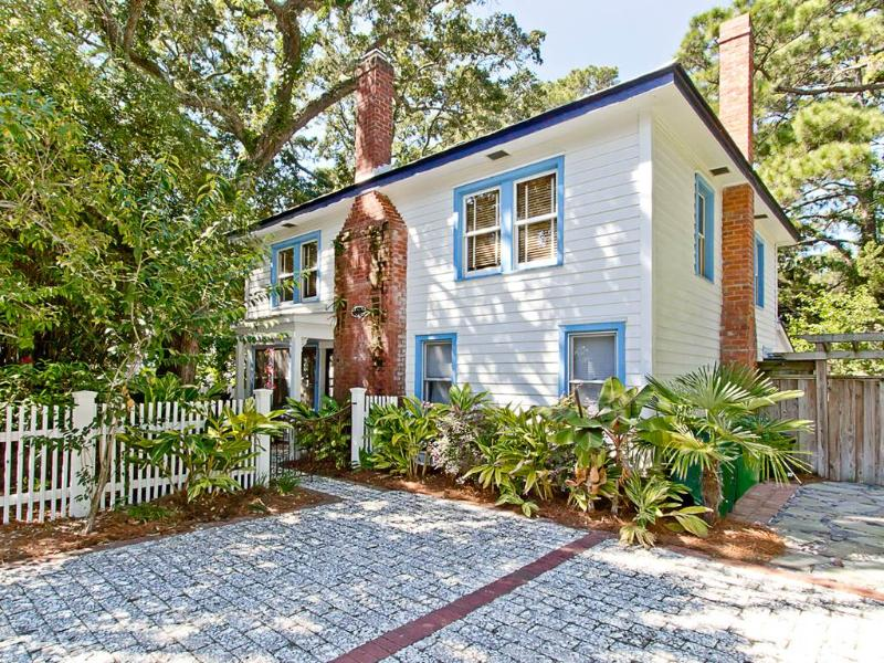Guiding Light Cottage - Image 1 - Tybee Island - rentals