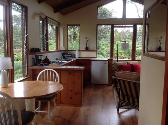 Kitchen & dining area - Volcano Mountain Haven in Hawaii - Volcano - rentals