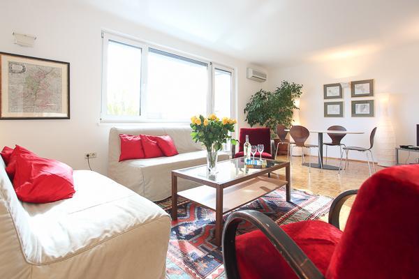 Living room - Unteredonaustrasse 10min /Stephanpl innere stadt - Vienna - rentals