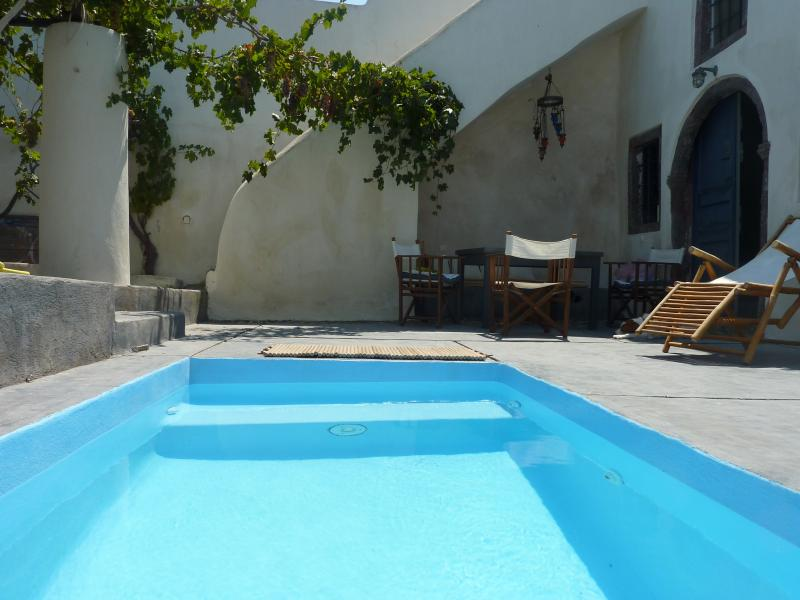 The tiny swimming pool - Wineryhouse and 2 guest houses - Santorini - rentals