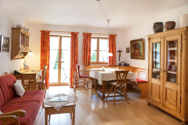 Vacation Apartment in Bad Tölz - 538 sqft, modern, warm, comfortable (# 2925) #2925 - Vacation Apartment in Bad Tölz - 538 sqft, modern, warm, comfortable (# 2925) - Wackersberg b Bad Toelz - rentals