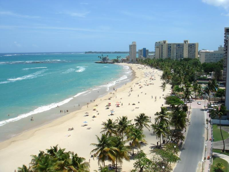 You are in this beach. 1 Block away.. - Full Equiped Vacation Sleep 2-8 - Isla Verde - rentals