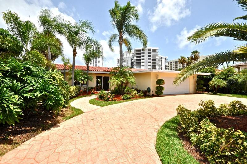 Terra Mar Island Retreat near Fort Lauderdale - Image 1 - Lauderdale by the Sea - rentals