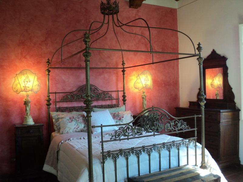Villa Gioianna: Country Villa with Pool, Lake View - Image 1 - Castiglione Del Lago - rentals